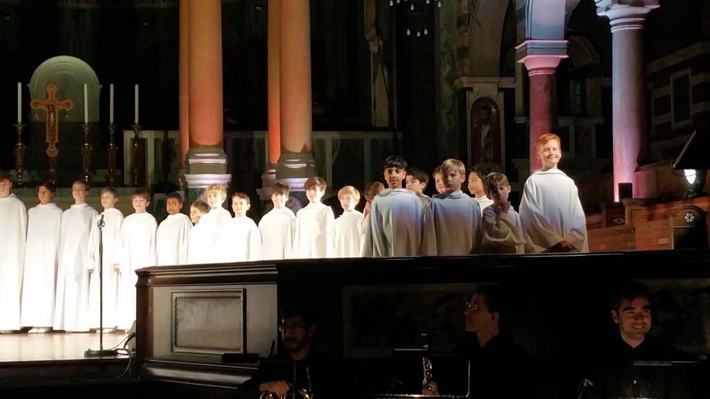 Concert à la cathédrale de Westminster (initialement St George's) le 1er décembre 2017 - Page 3 80087120171201220330
