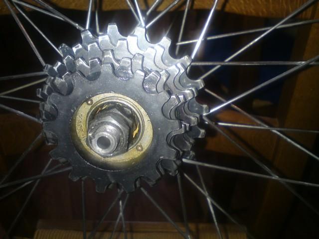 roue libre ATOM 801340DSC02355