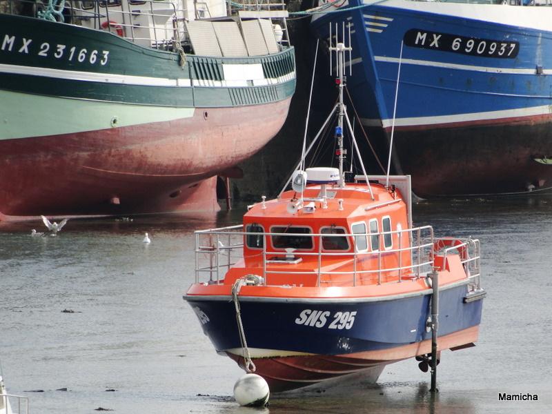 SNSM (Société nationale de sauvetage en mer) 802104BatzMamicha083