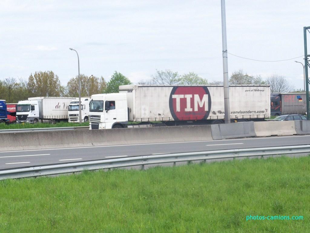 TIM van Vlaandern Transport Kft  (Kaposvar) 802922photoscamions30Avril201291