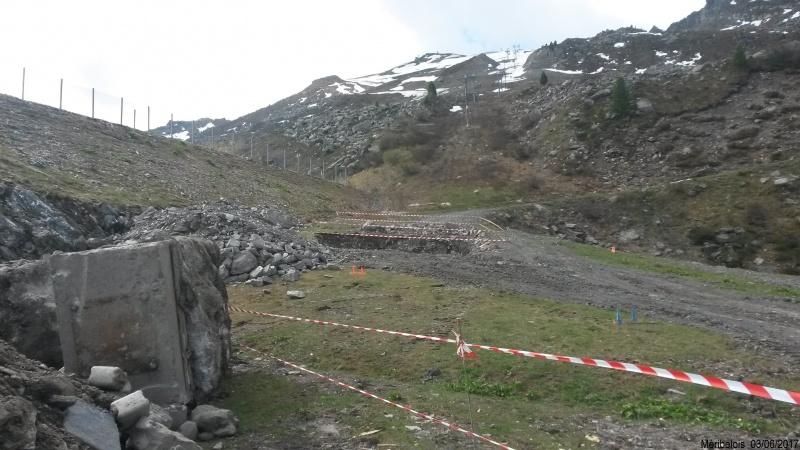 Construction du télésiège débrayable 6 places (TSD6) Roc de Tougne 80384220170603105100