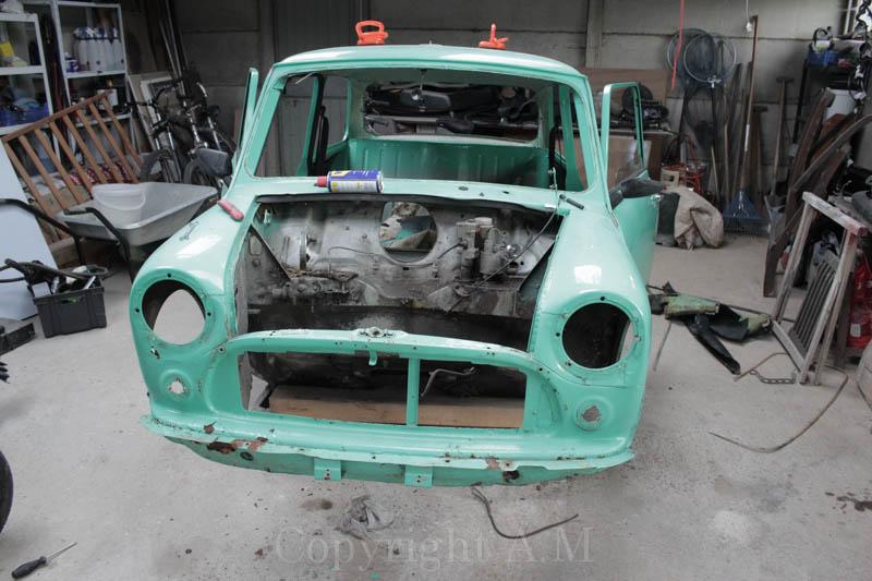 Restauration d'une Austin de 1980 804593IMG3294
