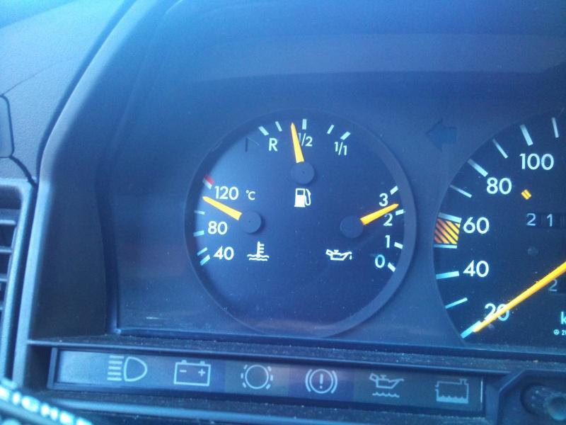 Mercedes 190 1.8 BVA, mon nouveau dailly - Page 9 804842DSC2527