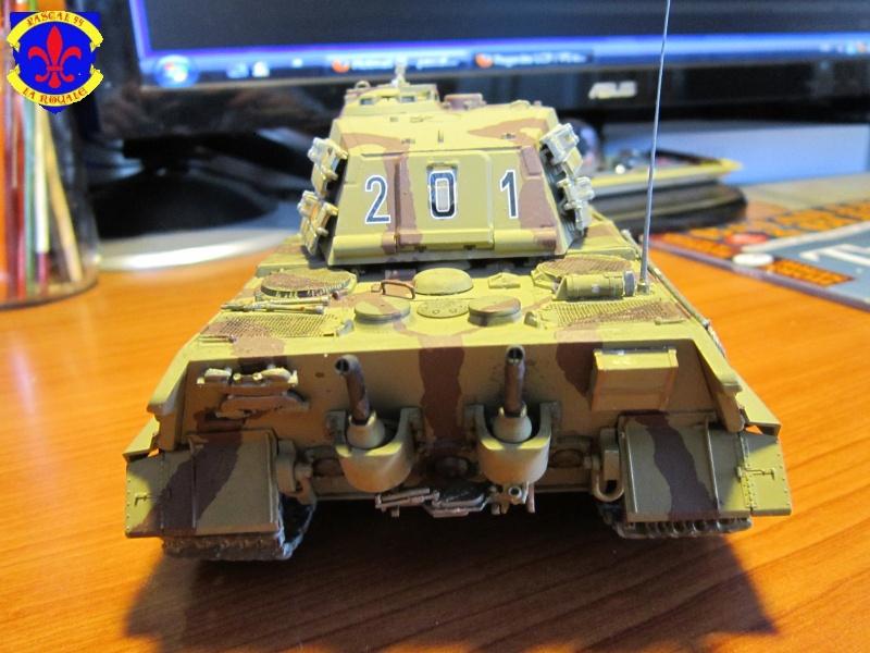 Sd.Kfz.182 King Tiger à tourelle Henschel de Dragon au 1/35e par pascal 94 804980IMG1282L