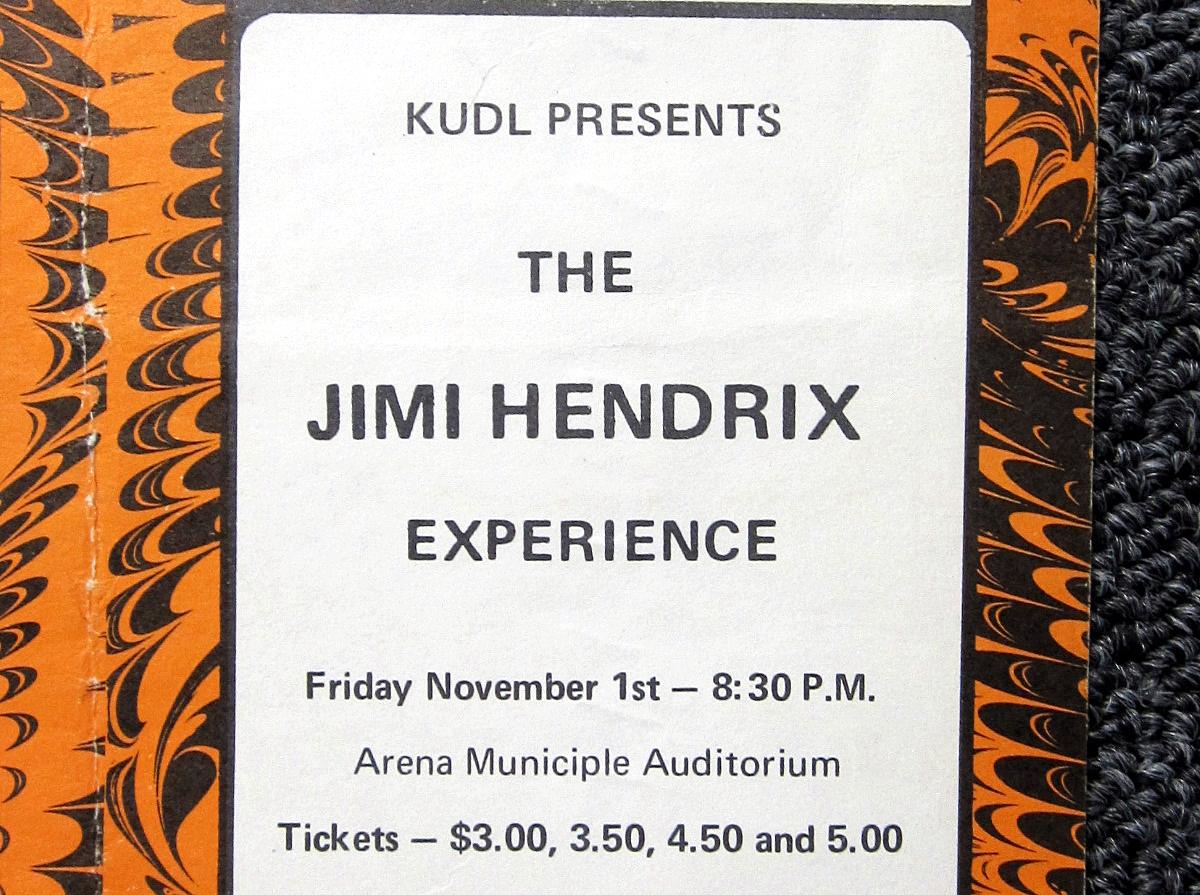Kansas City (Municipal Auditorium Arena) : 1er novembre 1968  805285JimiHendrixconcertad