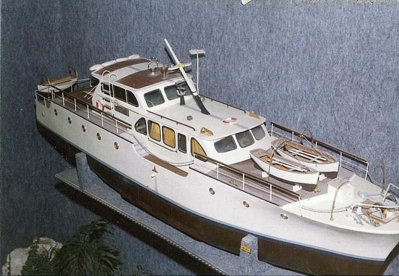 yacht le BRIGAND au 1/25° de NAVIG - Page 7 8070653043