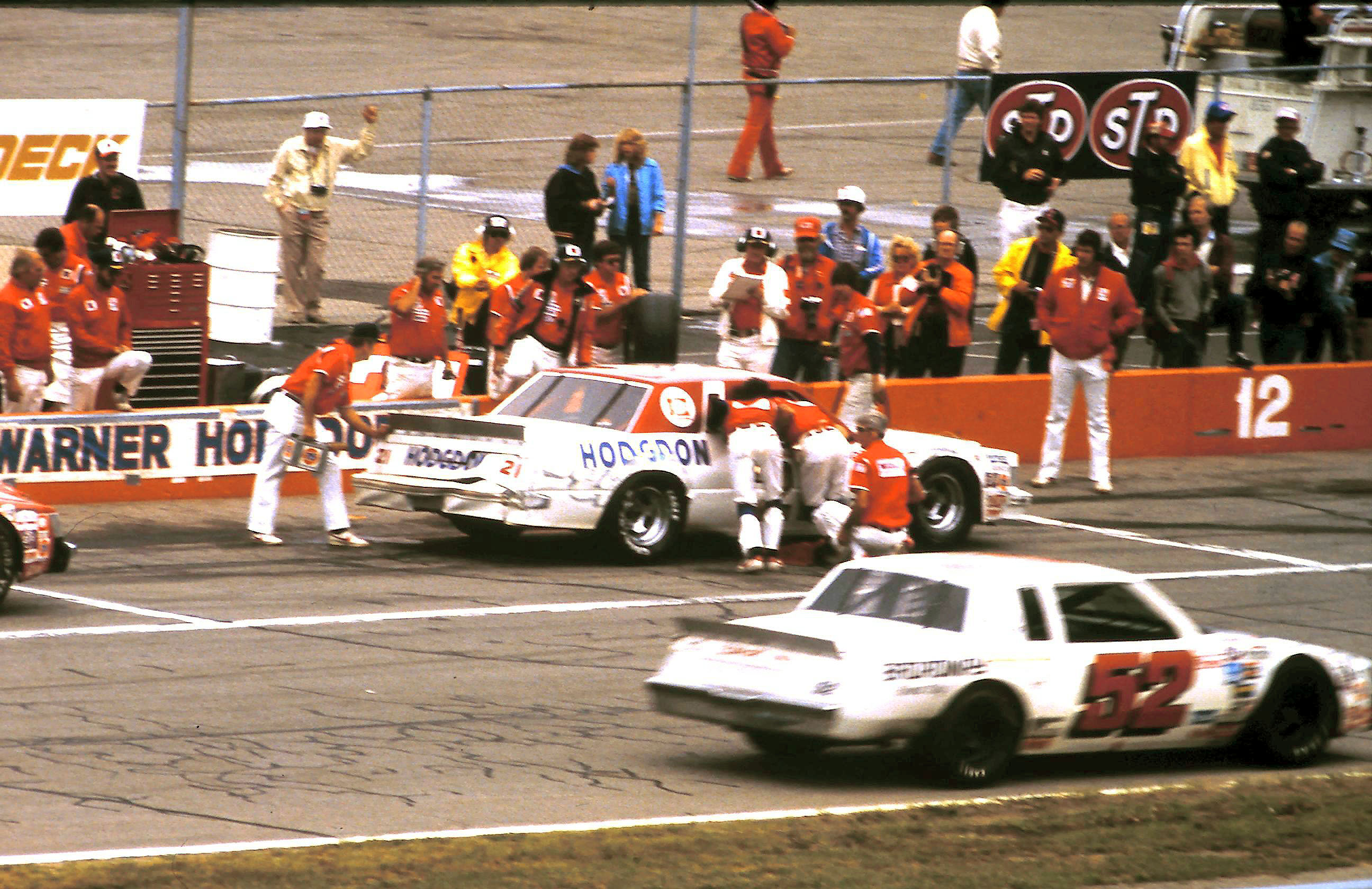 Buick Regal 1982 #52 Jimmy Means Broadway motor  811876B1981522