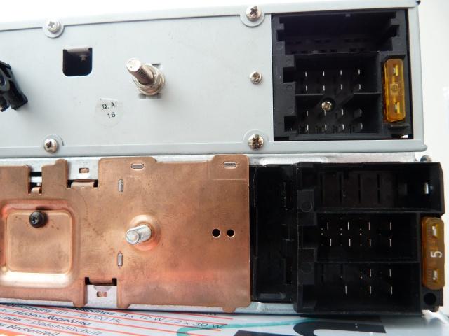 Smartphone sur autoradio vintage (1986/ 2002)? Acte 1 814013P1260963