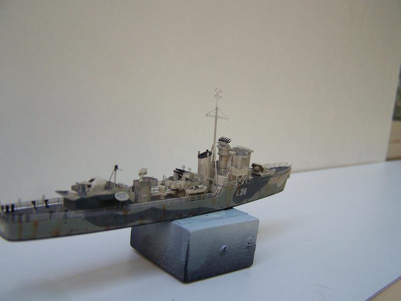Destroyers classe Hunt type 2 et 3 - Page 3 817166Hutn2et3033