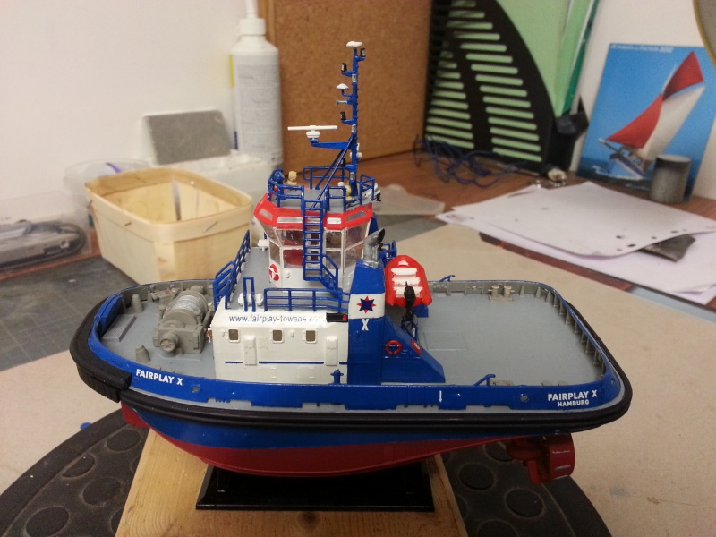 FAIRPLAY Harbour Tug Boat de Revell au 1:144  817178lolo012