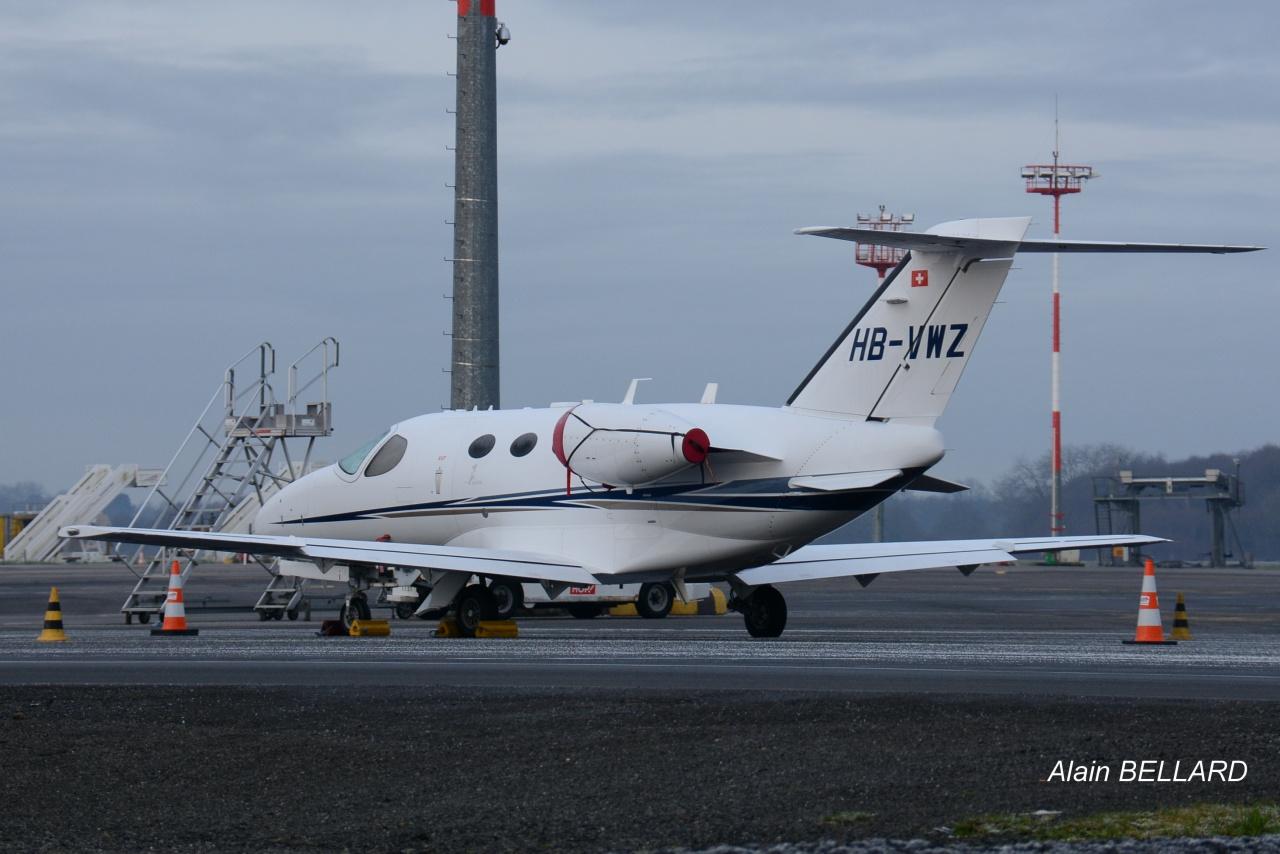 [BIZ JETS] L'Aviation d'Affaires de 2016...   817359DSC0058