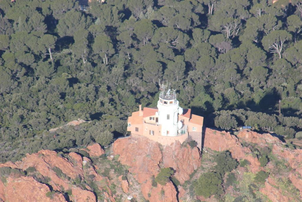 VOL en Robinson R44 autour de LFMD Cannes-Mandelieu 819265IMG7197