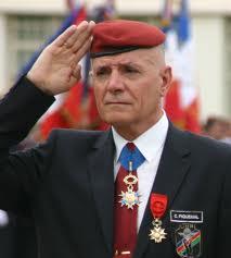 le général Piquemal sort du silence en venant à Calais malgré l'interdiction de la manifestation - arrestation du général Piquemal  819855piquem101