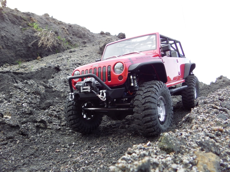 Jeep Rubicon Axial, le scale facile ;-) 822538IMGA0788