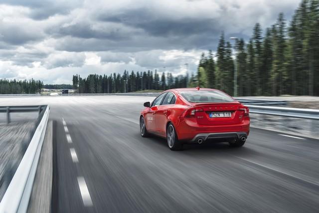 Bientôt un futur sans accident pour Volvo Cars grâce à l'ouverture du centre d'essais AstaZero 823657AstaZeroHighspeedArea1
