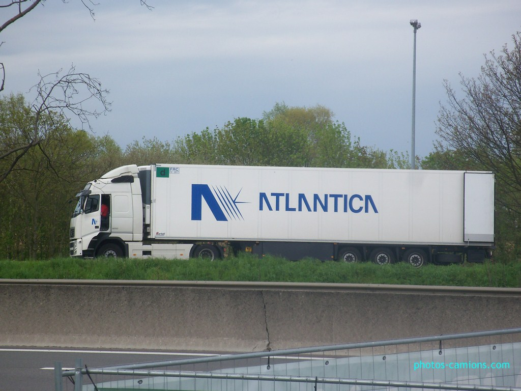 Atlantica. (Fontevivo - Parma) 824528photoscamions30Avril201275