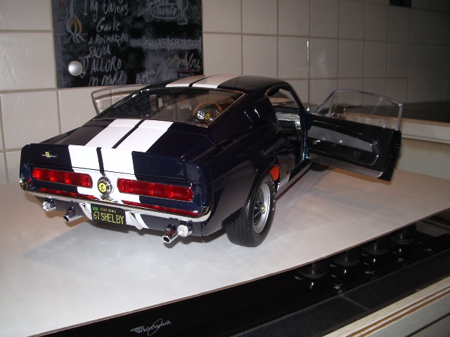 ford mustang shelby GT500 1967 au 1/8 - Page 7 824810IMGP0303