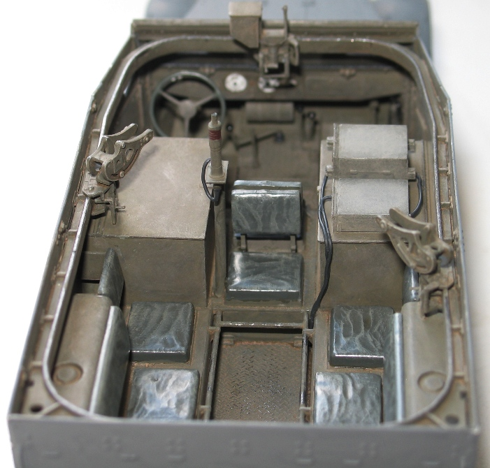 Half-track M2  Dragon 1/35 825352modles121003