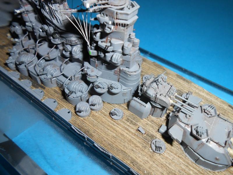 Yamato 1/700 fuji, PE,Pont en bois et babioles - Page 3 825875DSCN6126
