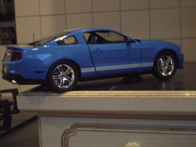 Ford Mustang SHELBY GT 500  2010 de chez revell au 1/12 - Page 2 828052m183