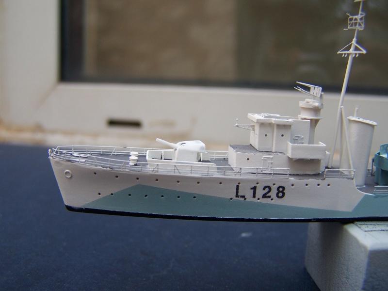 Destroyers classe Hunt type 2 et 3 - Page 4 830484Hutn2et3055
