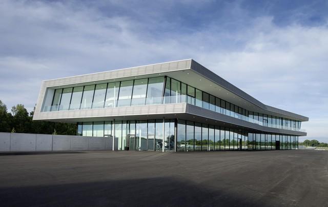 AUDI AG inaugure un complexe high-tech à Neubourg 830545AudiNeuburgcustomerbuilding