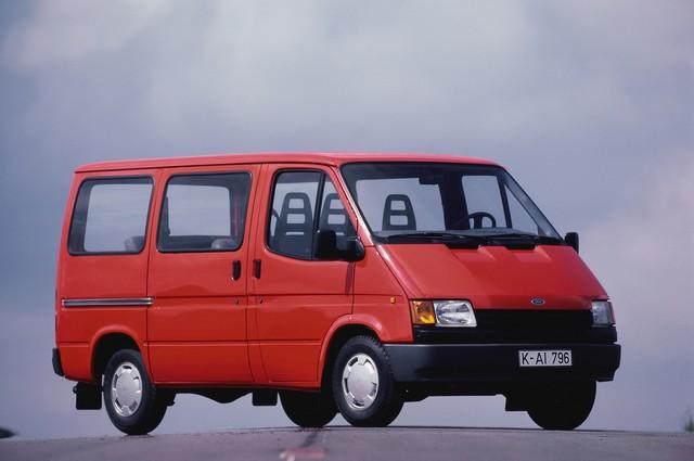 Le Ford Transit fête ses 50 ans ! 831558TransitCelebrations091