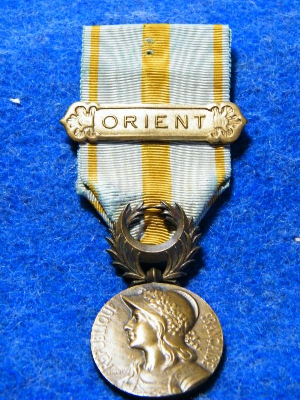 medaille d'orient avec son agrafe 832469010