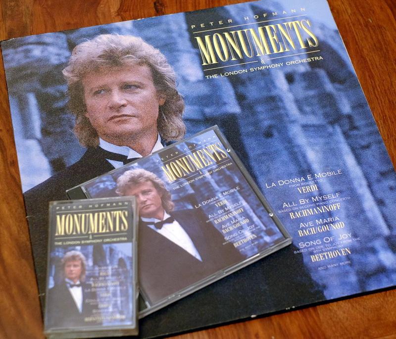 CDs inconnus de collaborations musicales avec d'autres artistes 8380381988PeterHofmannMonumentsCLOO8573800