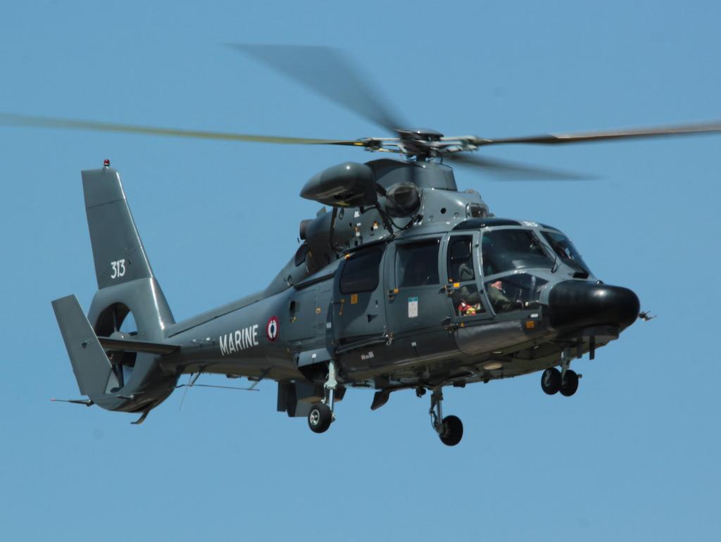 [ Aéronavale divers ] Hélicoptère DAUPHIN - Page 4 840484SOLENZARAMAI2015VENDREDI322