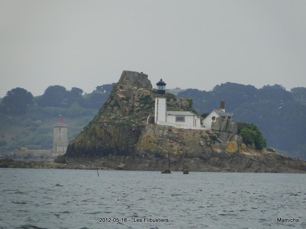 Phares de l'Île Louët et de l'Île Noire 843832175LesFlibustiersChteauduTaureau175