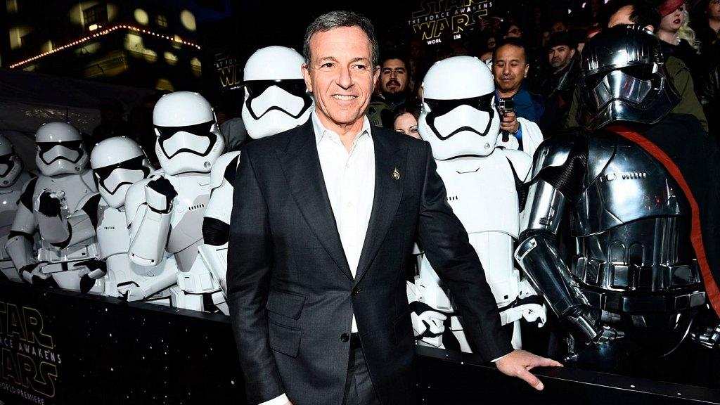spin-off Star Wars sur Han Solo - au cinéma le 25 mars 2018 - Page 2 84465965754bobiger169lg