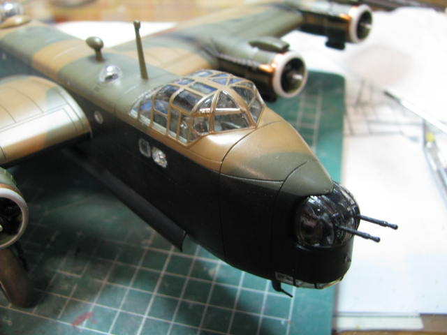 Short Stirling MkIII BF-513 Italeri 1/72, 2ème !!!!!....Terminé!!! - Page 4 845932IMG7126