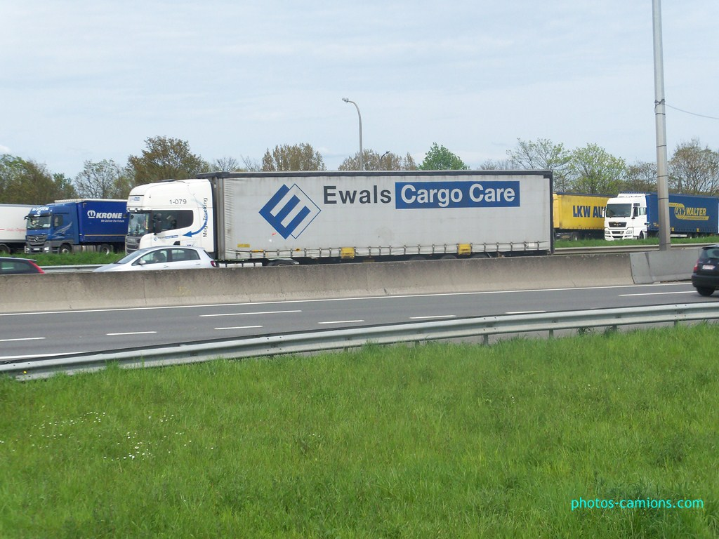 Ewals Cargo Care (Tegelen) - Page 2 848587photoscamions30Avril2012154