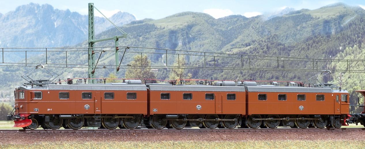 Les machines D/Da/Dm/Dm3 (base 1C1) des chemins de fer suèdois (SJ) 850153Marklinsjdm378524roco002