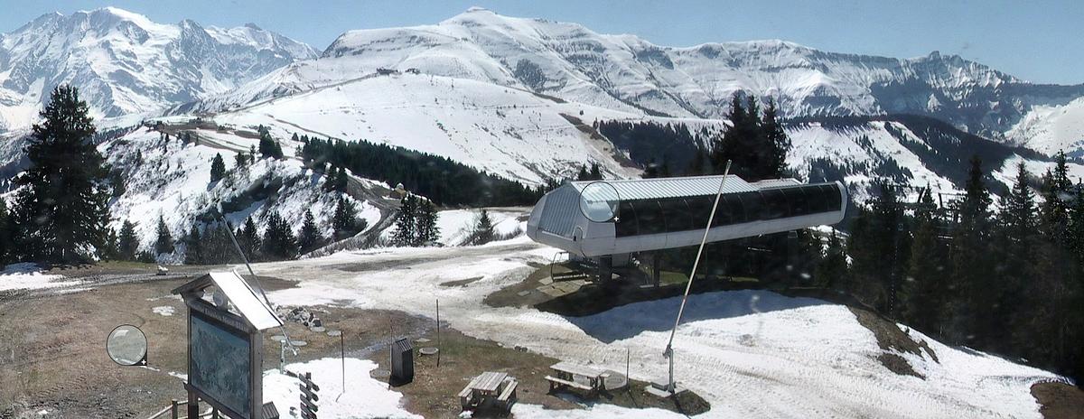 Observations neige dans le massif et la vallée - Page 7 850173Montdarbois24avril2015