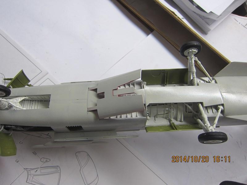 F-8 Crusader 1/32 850589IMG2168Copier