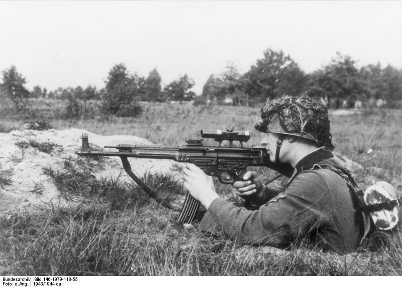 recherche de photographies 850895bundesarchivbild1461979118552cinfanteristmitsturmgewehr442