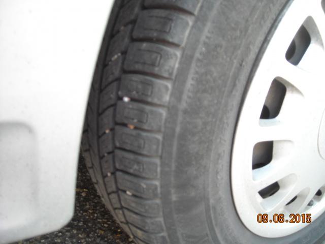 pneus usés sur les cotés 851037DSCN7925