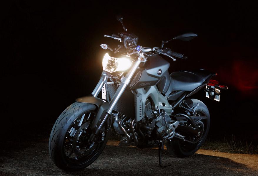 Photos de toutes les Yamaha MT-09 du forum ! :) - Page 25 853630JKAYo