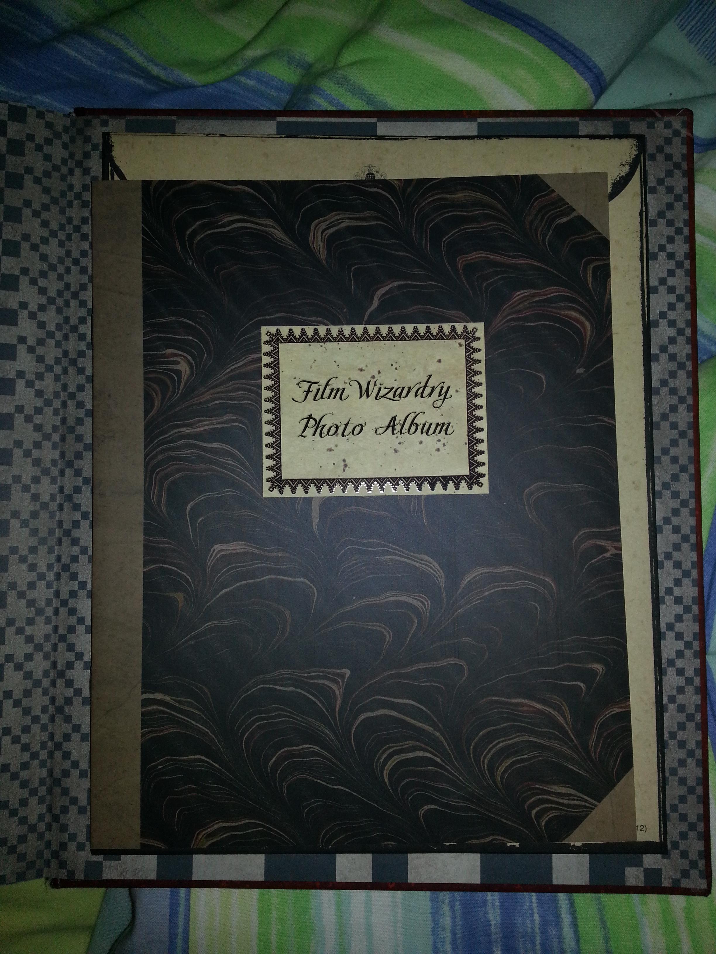 """Livre """"La magie des films 2"""" - Page 2 85445720121105183455"""