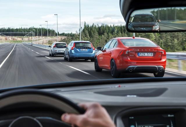 Bientôt un futur sans accident pour Volvo Cars grâce à l'ouverture du centre d'essais AstaZero 864441AstaZeroMultilaneroad