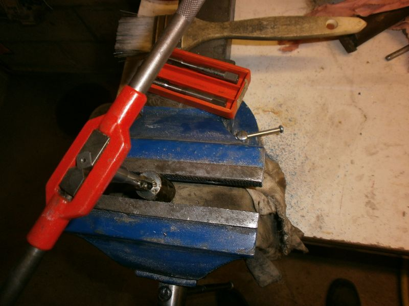"""Fabrication d'un """"bouchon"""" pour mon bac à copeaux pour récupérer le fuide de coupe 866794PB100041"""