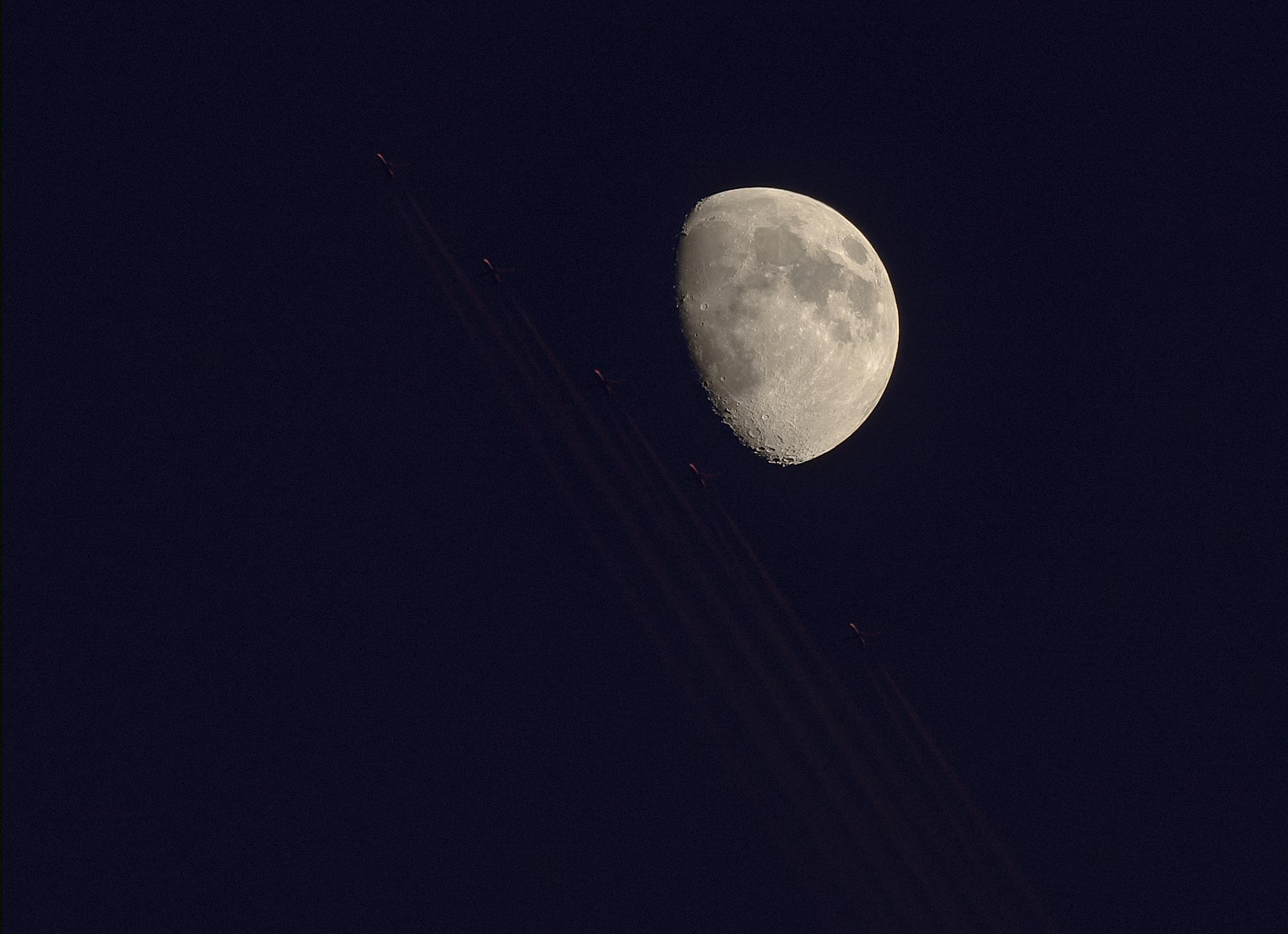 La Lune - Page 6 867057LuneAvionMm