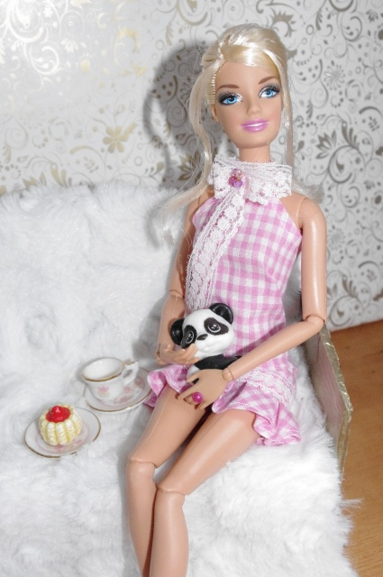 Couture et miniatures pour barbies, MH, muses!^^ - Page 3 868774708575robekawa5