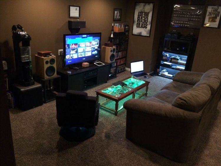 Votre Coin Jeux / Votre Installation Home Cinéma... - Page 7 870519Darkcolorintelegentlygamingroomideas