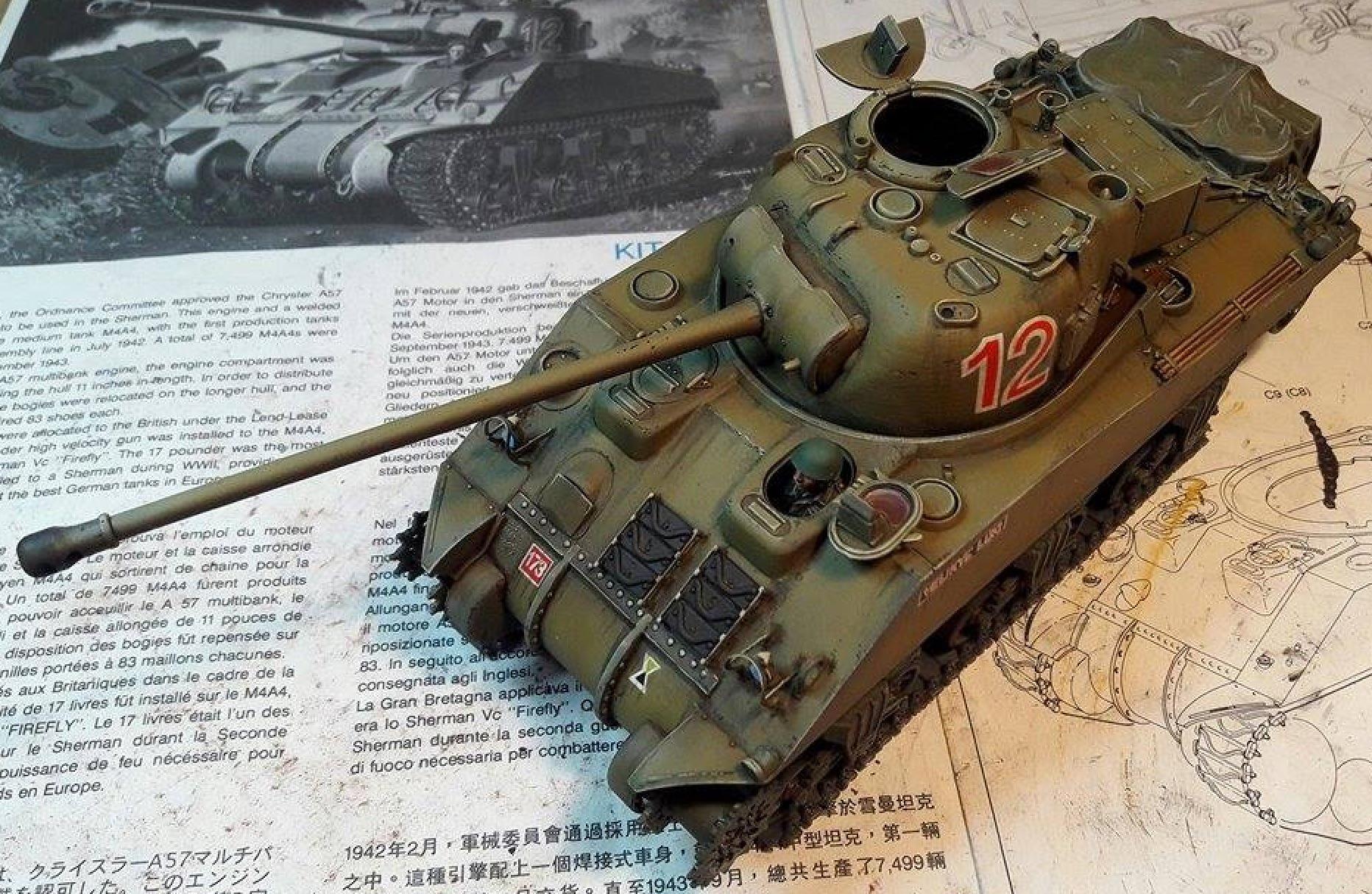 Sherman Vc Firefly - 1/35ème - kit Dragon #6031 Sherman Vc 'Firefly' - Page 2 870653Decalsplaced