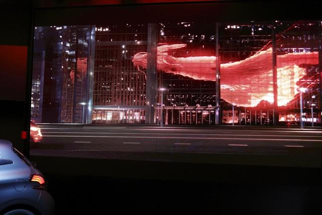 Un Dragon S'installe Au Peugeot Avenue Paris ! 871994SBY7863