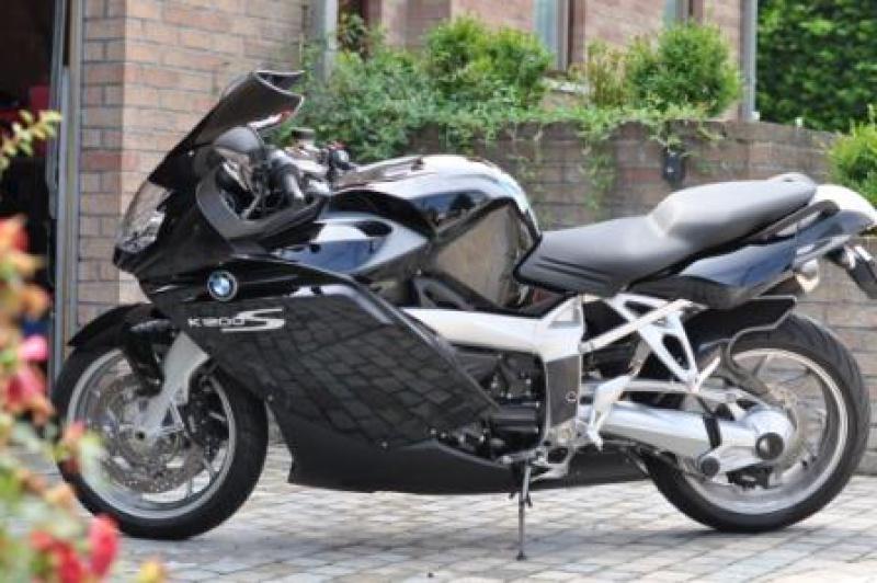 BMW à 2 roues et elle tient compagnie à ma 320d e93 874141003DSC9739
