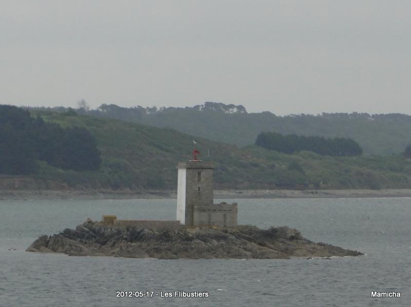 Phares de l'Île Louët et de l'Île Noire 875129250LesFlibustiersChteauduTaureau